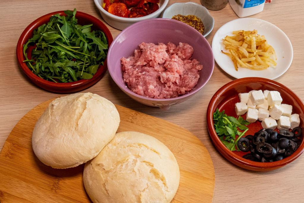 Ingredientes para la hamburguesa mediterranea